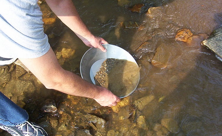 8 Best States to go Gold Panning on the East Coast