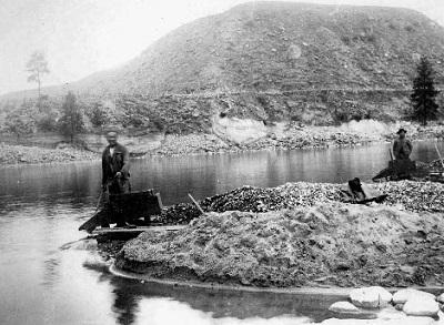 Idaho gold in Salmon River