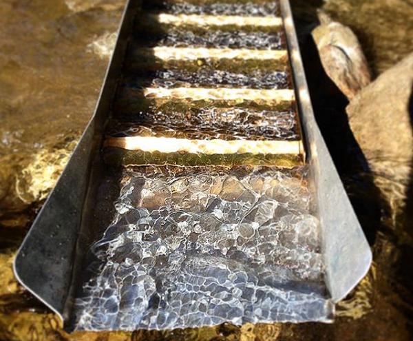 sluice box gold recovery