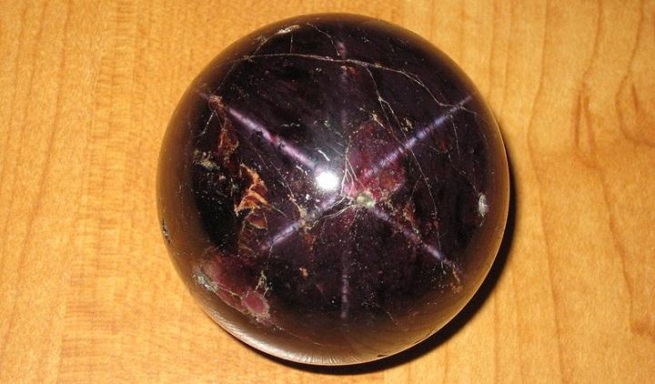 Idaho gemstones star garnet